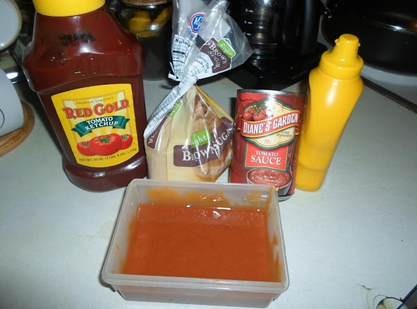 Place all ingredients for meatloaf topping in a bowl and mix well. Refrigerate.