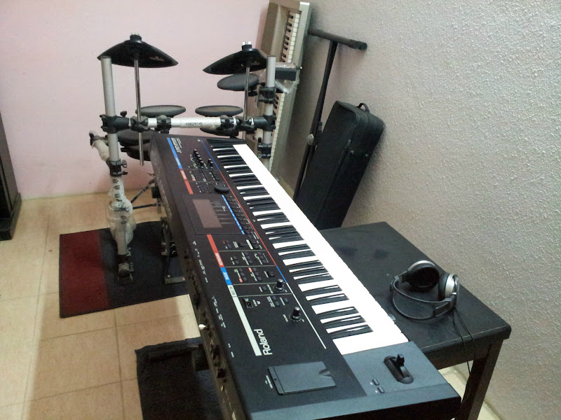 Photo: .. didn't find an available Nord Stage 2 in here... but was lucky enough to have gotten myself a Juno Stage =)