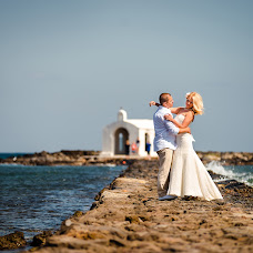 Wedding photographer Maksim Prikhodnyuk (Photomaxcrete). Photo of 01.03.2015