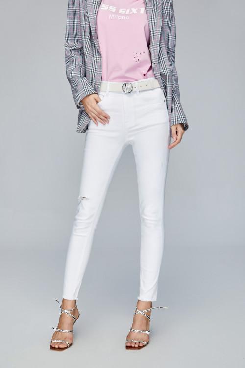 Jeans Miss Sixty: il must di tutte le stagioni 40 Jeans Miss Sixty: il must di tutte le stagioni