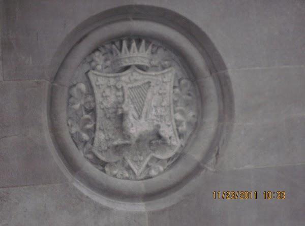 Lots of beautiful carvings on buildings.