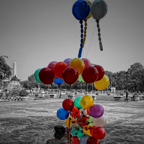 Balloon Vendor by Mj Loyola Ganitano - News & Events World Events