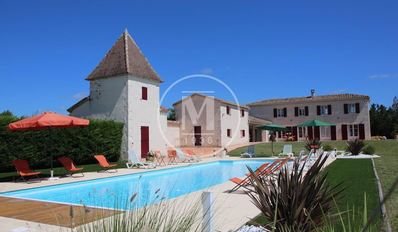 Maison avec piscine et terrasse Montaigu-de-Quercy