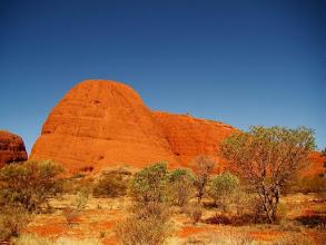Photo: Le Red Centre avec Ayers Rock-Kata Tjuta ou les monts Olgas