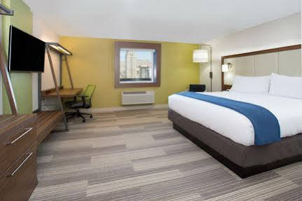 Holiday Inn Express and Suites Moore