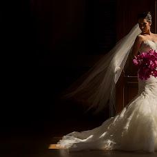 Wedding photographer Mino Mora (minomora). Photo of 17.10.2014