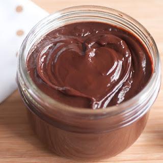 Homemade chocolate hazelnut spread (©Nutella-like)