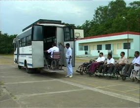 Photo: Bus With Hydraulic Lift
