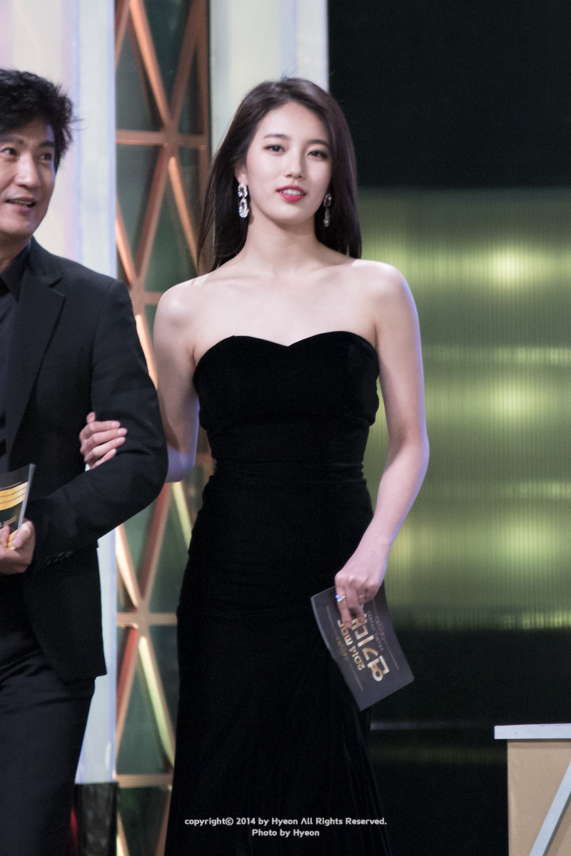 suzy gown 34
