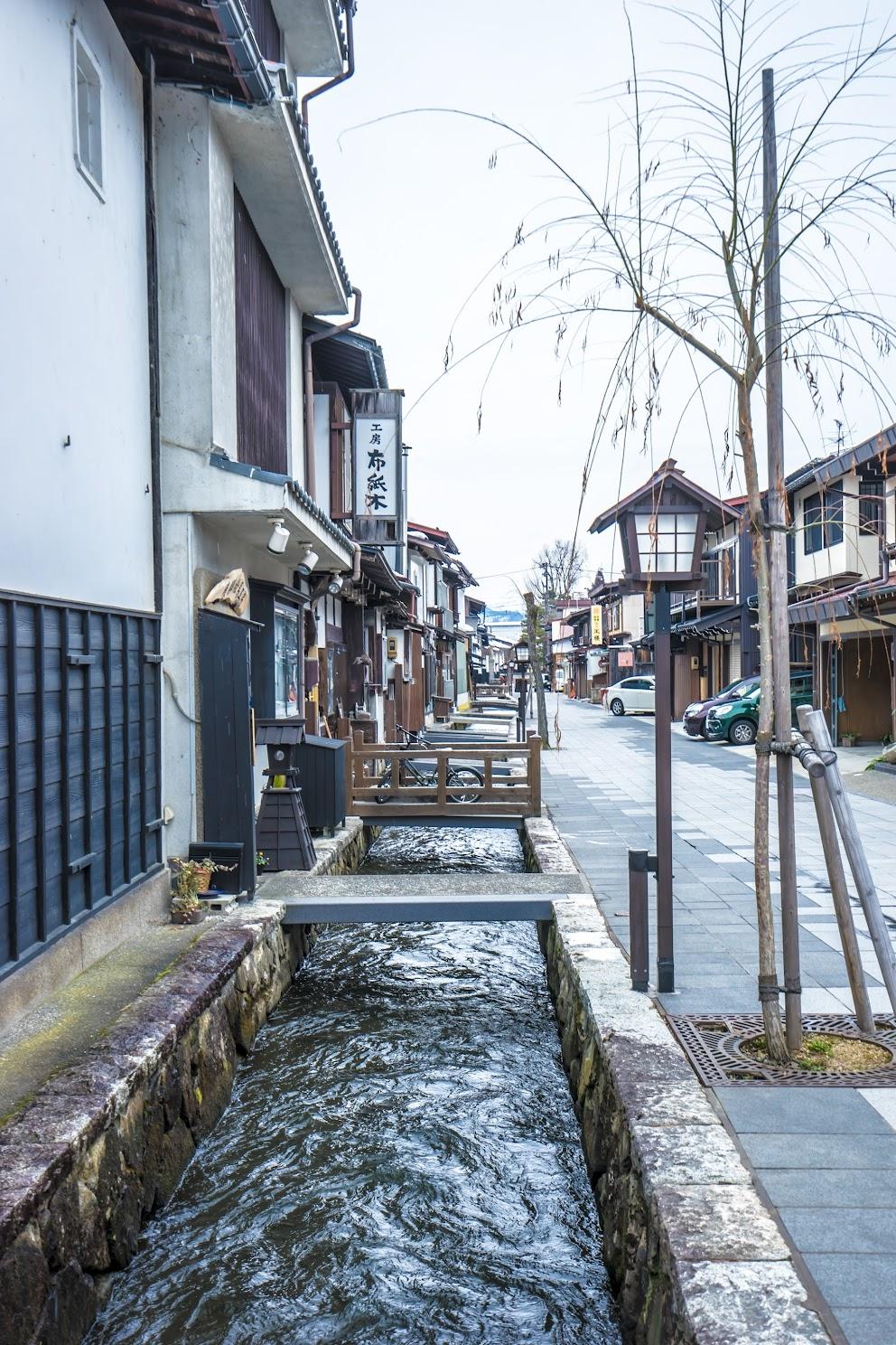 Hida Furukawa White Walled Storehouse Street2