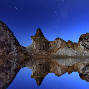 Mirror Night by Ikhsan Effendi - Landscapes Starscapes