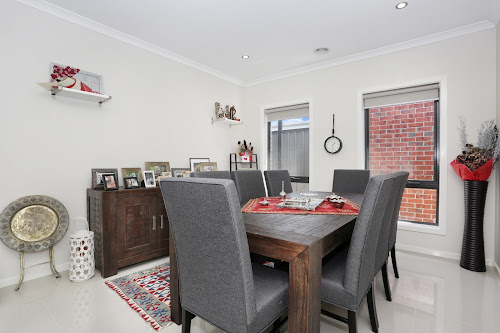 Photo of property at 33 Jonesfield Street, Craigieburn 3064