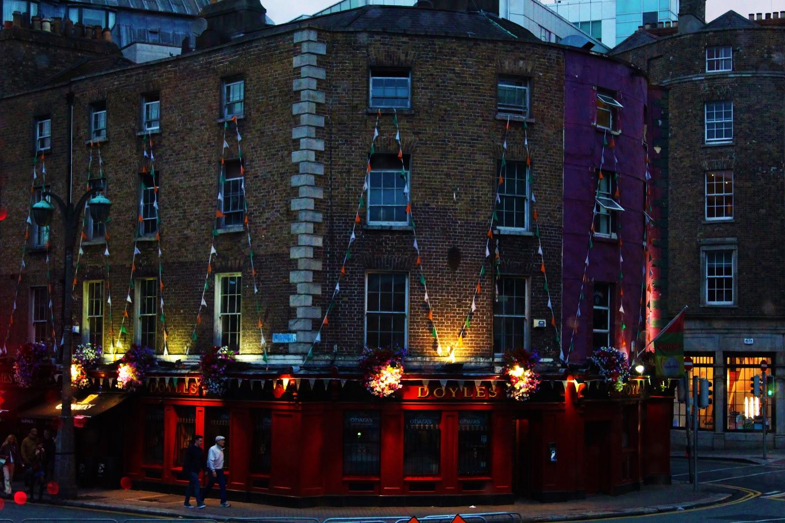 Dublin at nght.JPG