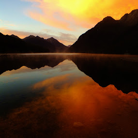 Sunrise over a lake (NZ) by Pierre Husson - Landscapes Sunsets & Sunrises ( reflection, nature, travel, sunrise, landscape, reflections, people, places, architecture, building, , villes, rencontres, continents, découvertes curiosités, personnes, marchés )