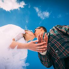 Wedding photographer Slava Khvorostyanyy (Khworostyani). Photo of 24.12.2015