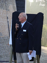 Photo: Het welkomstwoord door penningmeester Peter Geysen voorafgaand aan het officiële gedeelte van de opening