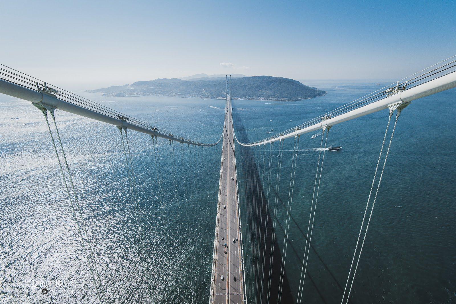 參加明石海峽大橋登頂體驗,可以挑戰自己登高的極限。
