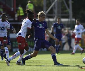 """Wat een debuut bij Anderlecht! Bornauw doet monden openvallen: """"Zijn grootste kwaliteit? Geraak er maar eens voorbij"""""""