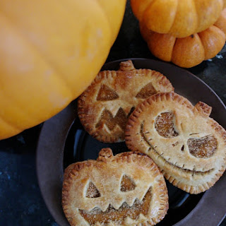 Jack-O-Lantern Pumpkin Hand Pies