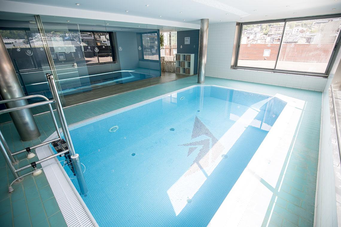 Spa em Andorra com piscina aquecida