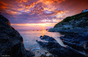 Photo: Is there anything better than sunsets by the sea?