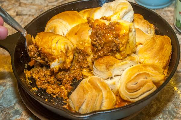 Yummy Essentials: Biscuit, Chili, & Cheese Skillet Recipe