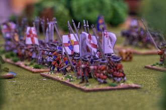 Photo: In primo piano la Irish Foot Guards (miniature Venexia, materiale scenico autocostruito)