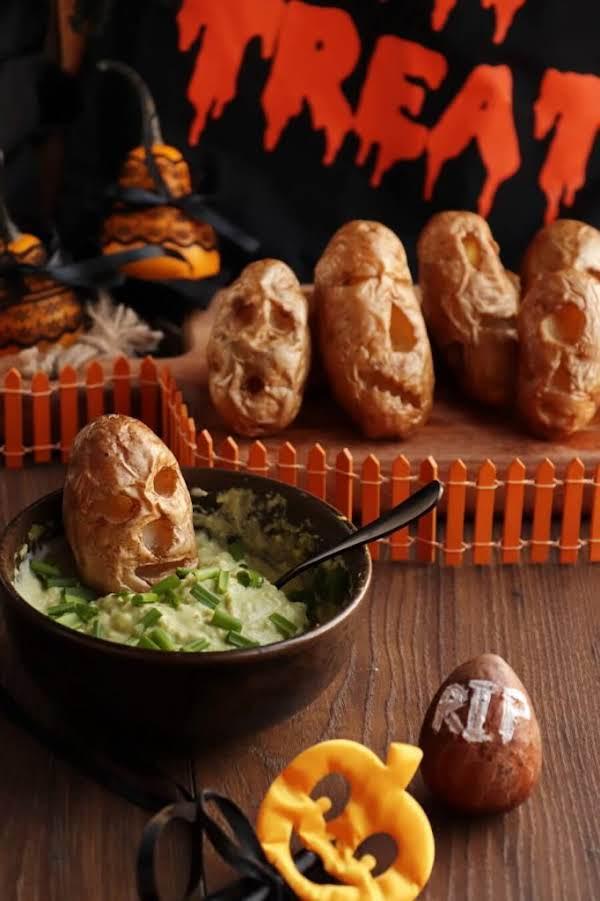 Shrunken Potato Heads With Slime Dip