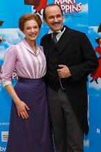 "Photo: MARY POPPINS. Premiere am 1.10.2014 im Wiener ""Ronacher"".  Milica Jovanovic, Reinwald Kranner. Foto: DI.Dr. Andreas Haunold"