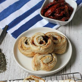 VEGAN RICOTTA, BASIL and SUNDRIED TOMATO PINWHEELS Recipe