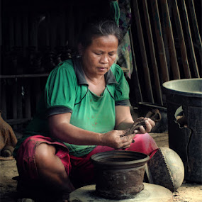 pottery crafts by Gesit Pinanjaya - People Portraits of Women