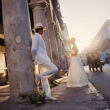 Wedding photographer Mikhail Leschenko (redhuru). Photo of 25.10.2013