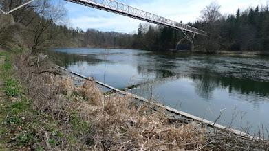 Photo: das ist die rohrbrücke, die vor jahren für die kläranlage gebaut wurde - super abschneider für fußgänger um auf die andere seite u kommen