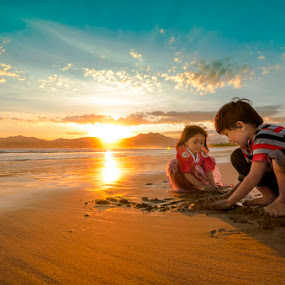 Playing Together by Dhiean Kukuh - Babies & Children Children Candids ( kids playing in summer )