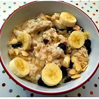 Banana, Raisin And Almond Porridge