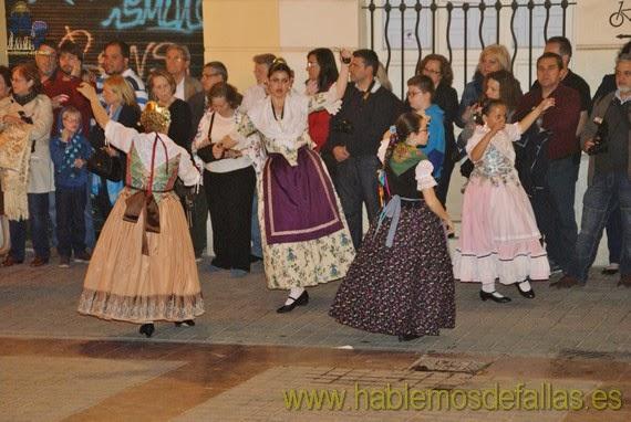 III Dansà en honor a San Vicente Mártir. Falla Plaza de España.