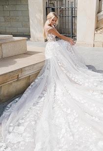 2b185707188 Свадебное платье Caprice от Оксана Муха. Есть в наличии в 2 салонах ценой  66700 руб.