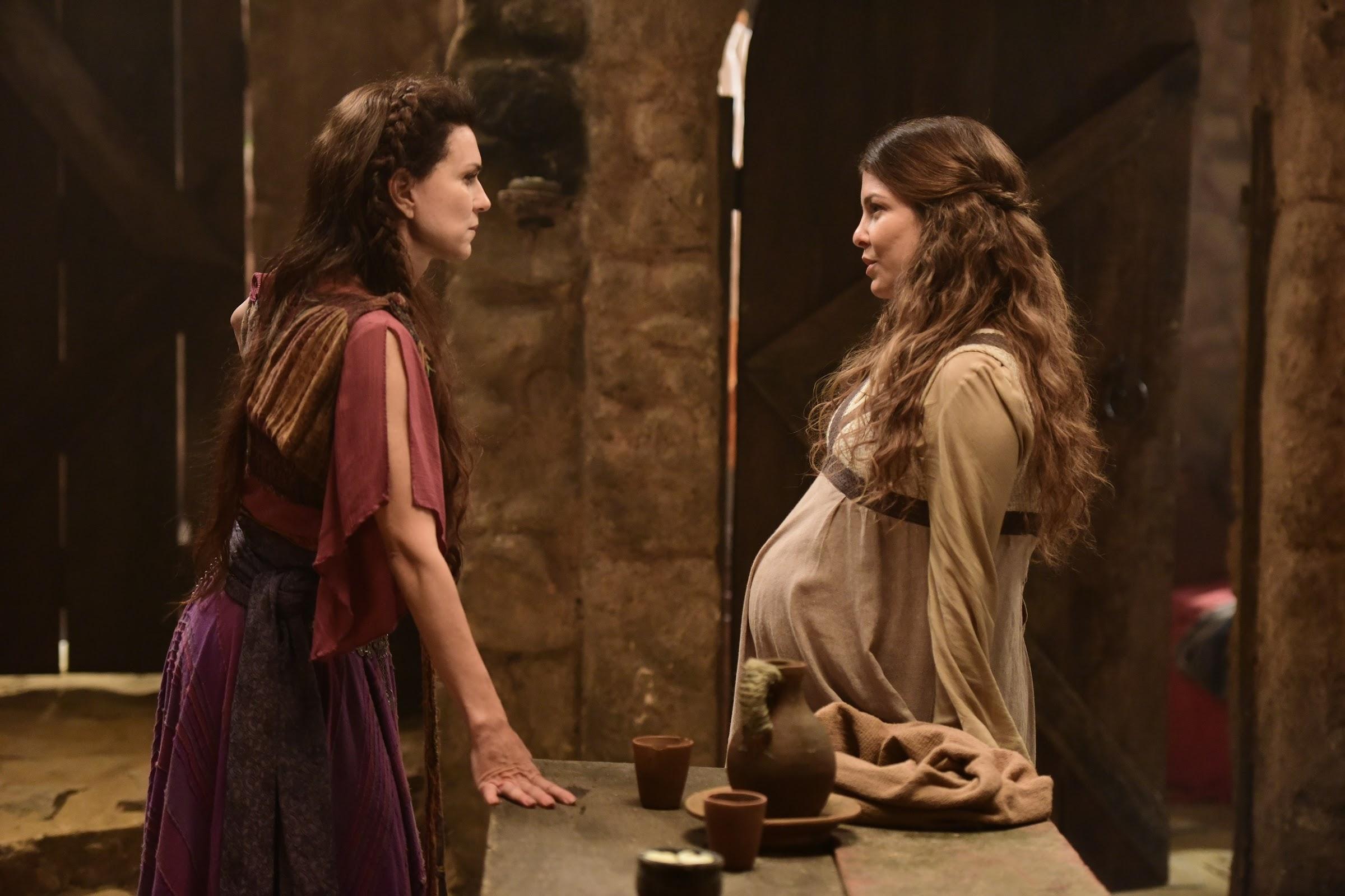 Livona ameaça Adela e a ofende