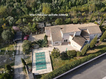Villa 6 pièces 179 m2