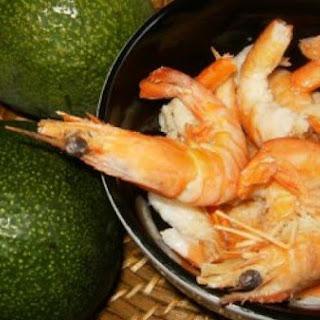 Abacate com Camarao (Avocado with Shrimp)