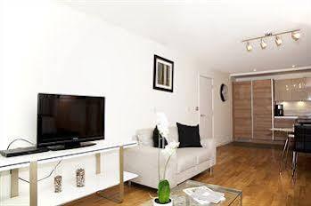 Andrew Superior Apartments