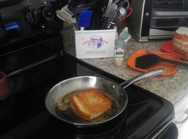 Garlic Grilled Cheese Sandwiches