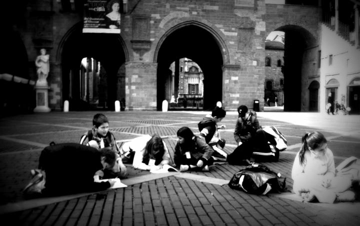 Lezione in piazza di tizzy