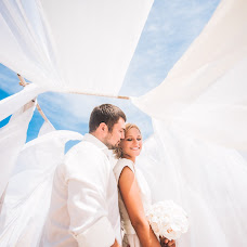 Fotógrafo de bodas Aleksey Kryuchkov (AK13). Foto del 02.04.2017