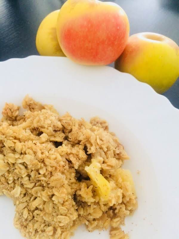 Amish Style Apple And Cinnamon Baked Oatmeal