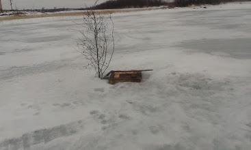 Фото: Зимний колодец на озере
