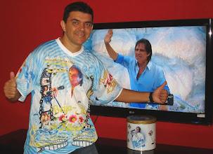 Photo: Roberto Carlos arrebentando na Sapucaí e eu curtindo em casa.