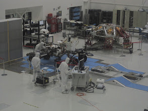 Photo: The cleanroom at the SAF - with Curiosity and her crane...