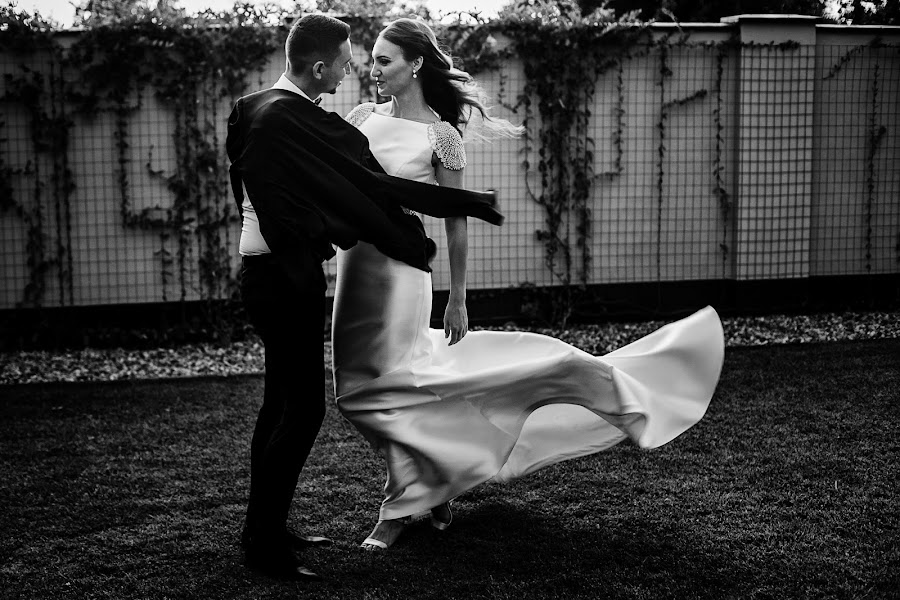Wedding photographer Sabina Mladin (sabina). Photo of 16.01.2018