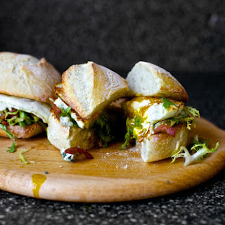 Fried Egg Sandwich with Bacon and Blue Cheese [Egg Sandwich Lyonnaise]